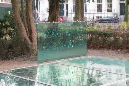 Monument Auschwitz Beemer Glas