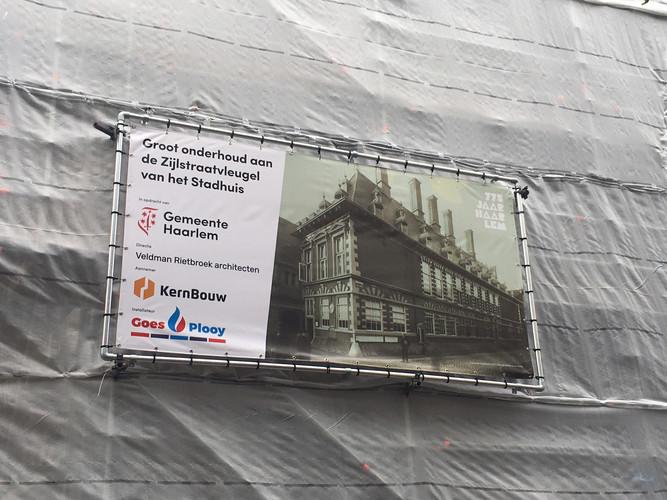 Groot onderhoud Zijlstraatvleugel Stadhuis, lei- en loodwerk in opdracht van Gemeente Haarlem