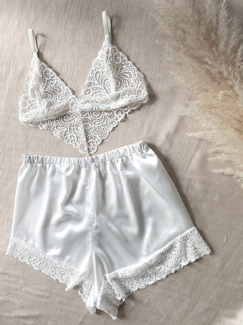 VINE Shorts   2 Colours Available
