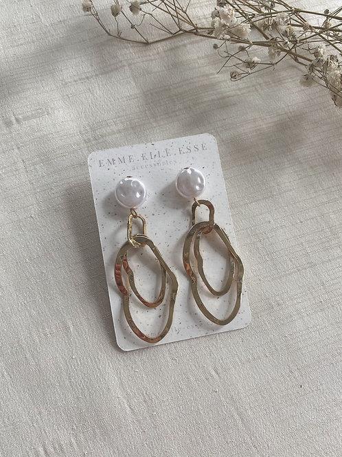 Irregular Ovals Pearl Stud Earrings