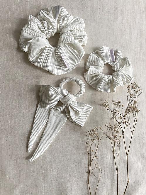 Crinkle Plisse Scrunchie | Ivory