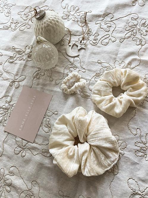 Crinkled Velvet Scrunchie   Ivory