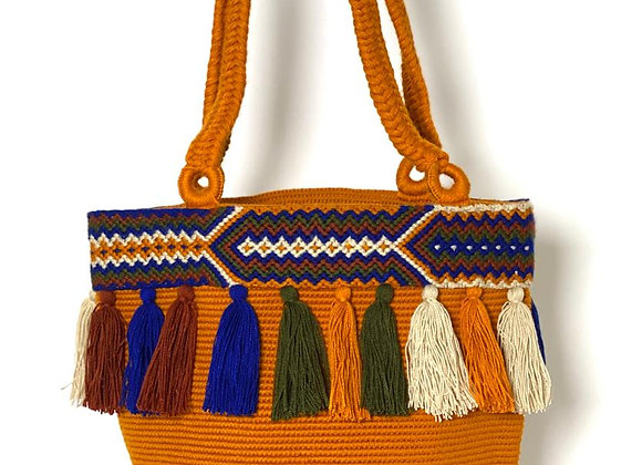 Wayuu Unicolor with Macrame as Accessory