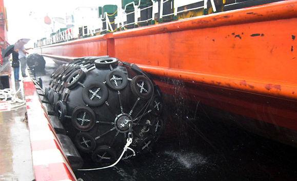 pneumatic rubber fender.jpg
