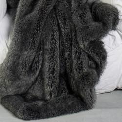 renard-gris-plaid-en-fausse-fourrure