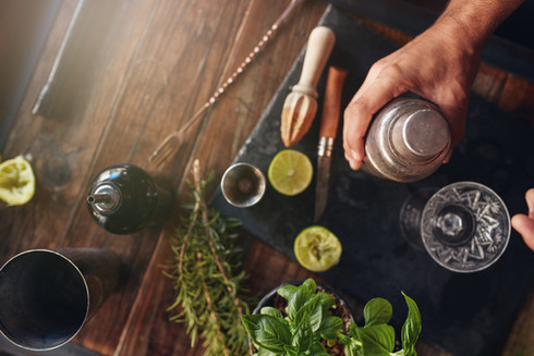 Cocktails zubereiten