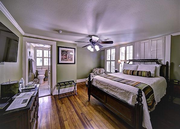 Bayou Room_bath1.jpg