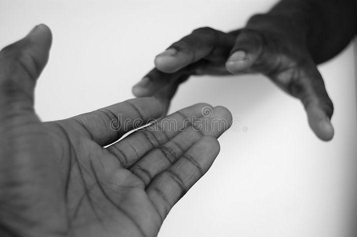 reaching-out-2-587817.jpg