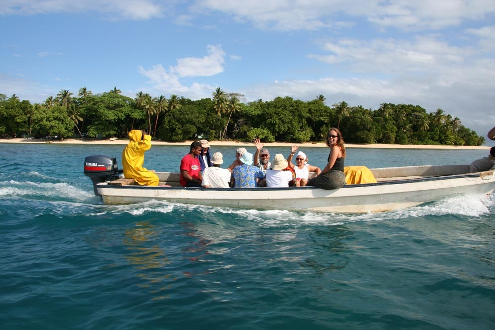 Island hopping by longboat in Fiji