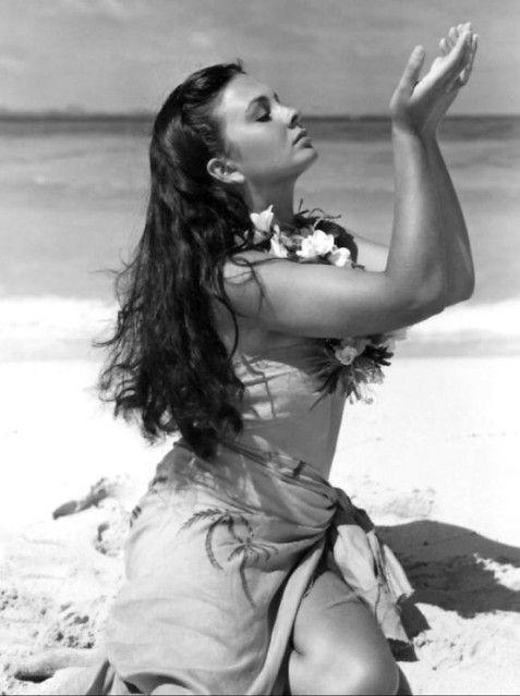 Jean Simmons on location in Fiji, 1949
