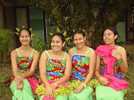 Tripping over Fiji body talk - 1