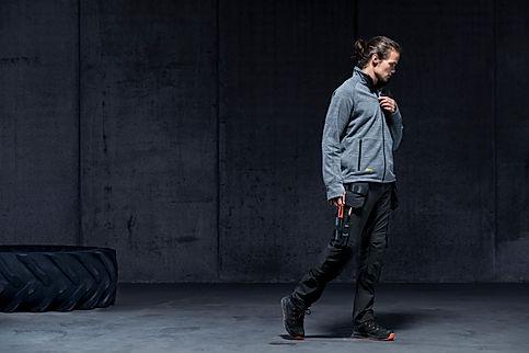 Snickers Workwear online kaufen. Moderne und robuste Arbeitskleidung.