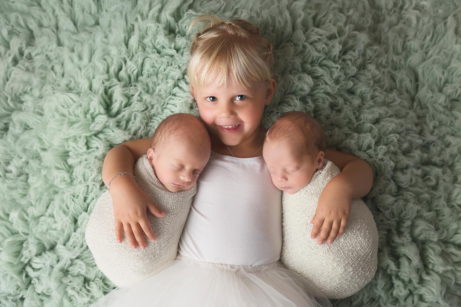 Newbornsessie, Newbornsession, Newbornfotografie Tweelingsessie