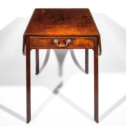 A Fine George III Chippendale Period Mahogany Pembroke Table, Of  Outstanding Quality And Superb Original Colour And Patination.