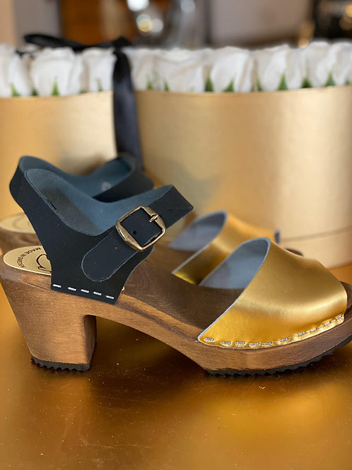 Sandals combined with gold and black