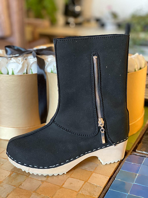 Vegan small boot, made except black