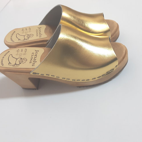 Open clogs gold color high heels