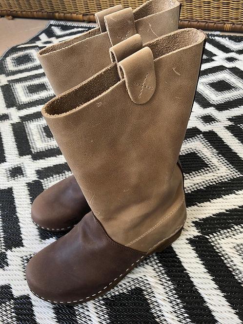מגפיים צבע חום כהה משולב בהיר(שוקובו)