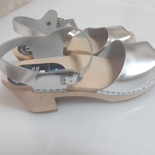 Medium heel sandals silver color