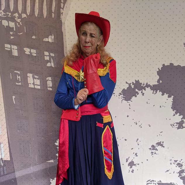Captain Marvel / Annie Oakley
