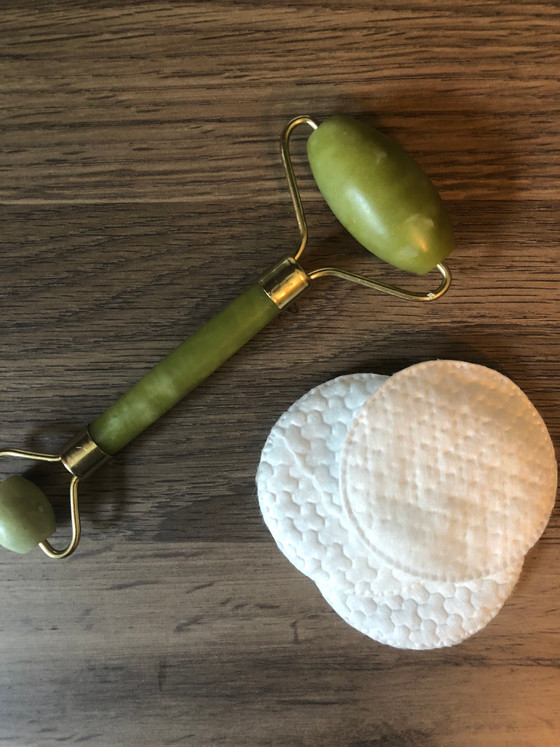 All About The Jade Roller