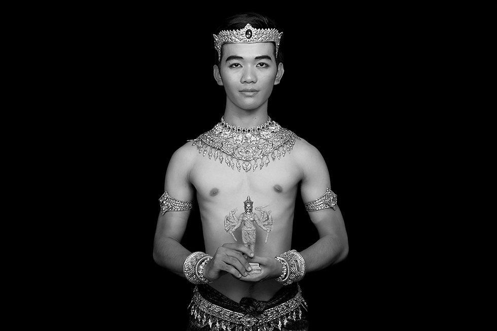 Mahagitesvara, dancer of Prumsodun Ok & NATYARASA. Photo: Nobuyuki Arai.
