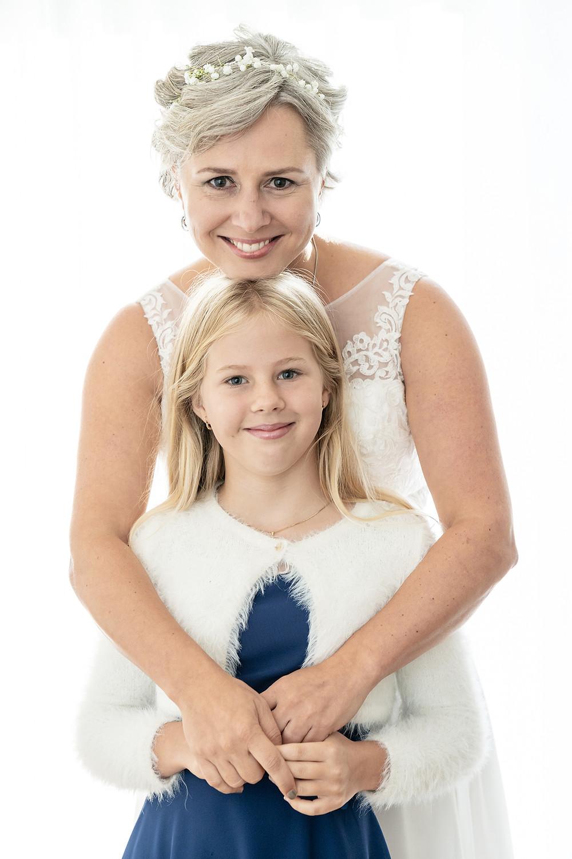 Braut mit Tochter Portrait