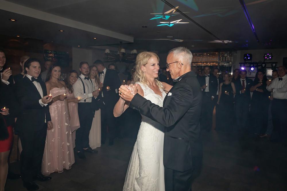 Hochzeitsfotos der erste Tanz