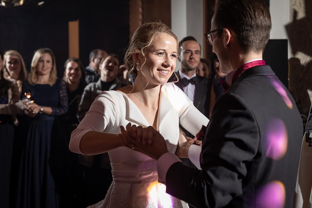 Hochzeitstanz mit Lichtshow und Liveband