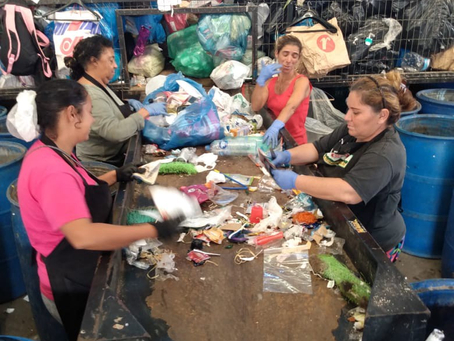 Waste pickers cooperatives receive support in Porto Alegre, Brazil