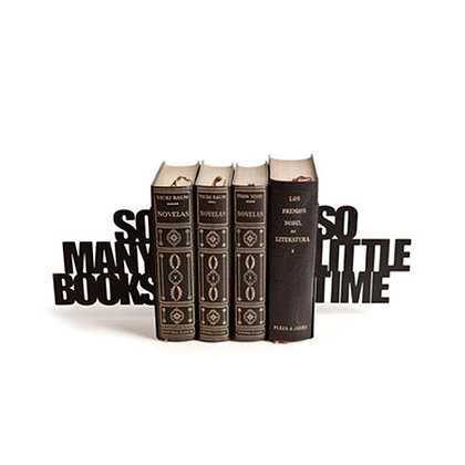 ★ מחזיקי ספרים