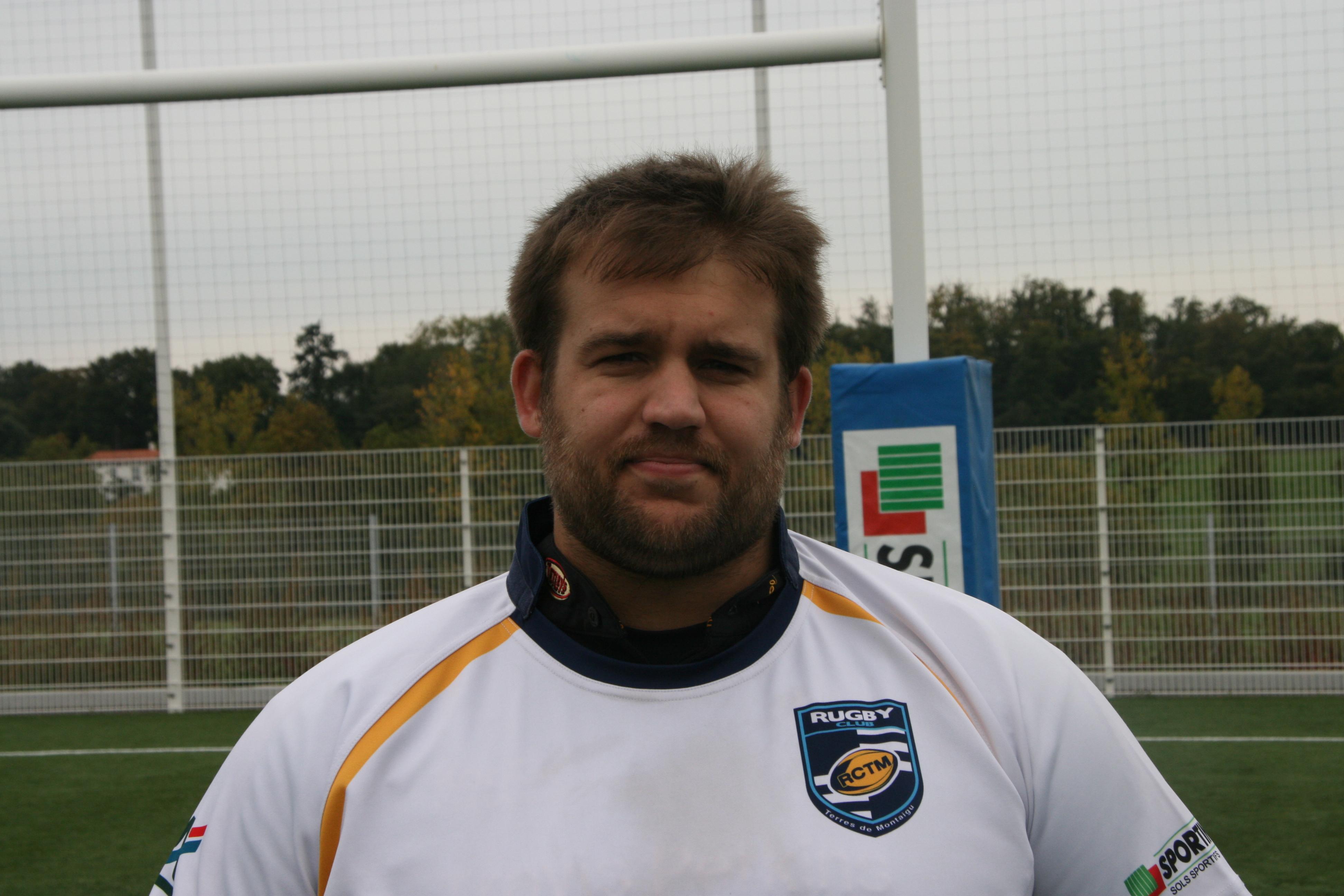 Damien Desjardins  (entraineur joueur)