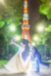 夜景の東京タワーと結婚式前撮り