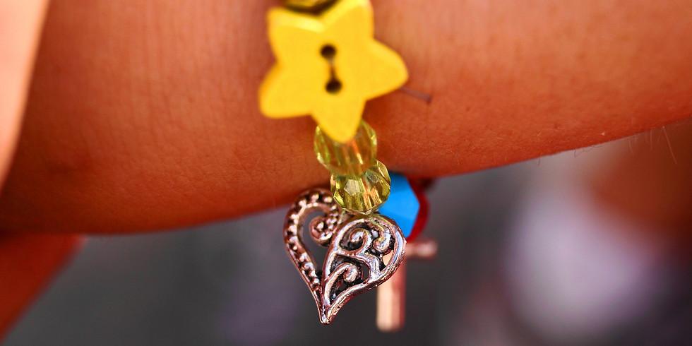 Atelier Enfant Création de Bijoux • Bracelet élastique en perle