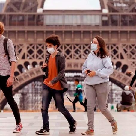 Francia pone fin al uso de mascarilla en la calle y levanta el toque de queda