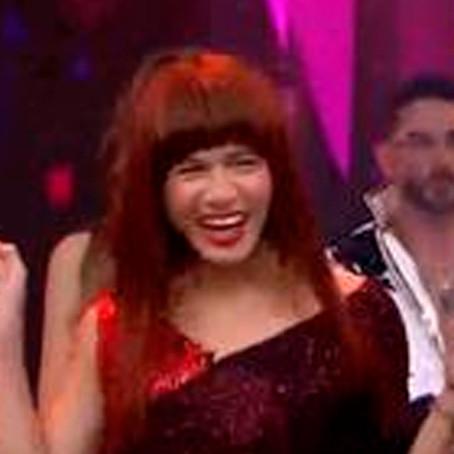 """""""La Uchulú"""" se roba el show con divertida presentación en el """"Artista del año"""""""