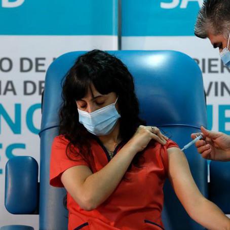 Niegan vacunas a enfermeras de Argentina