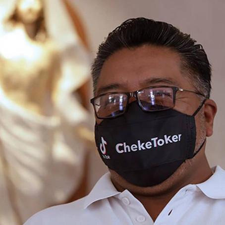 Sacerdote mexicano conquista TikTok
