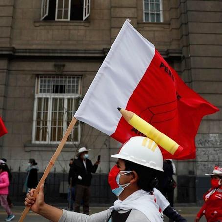 Elecciones 2021: Continúan las marchas por Pedro Castillo y sigue la vigilia por Keiko Fujimori