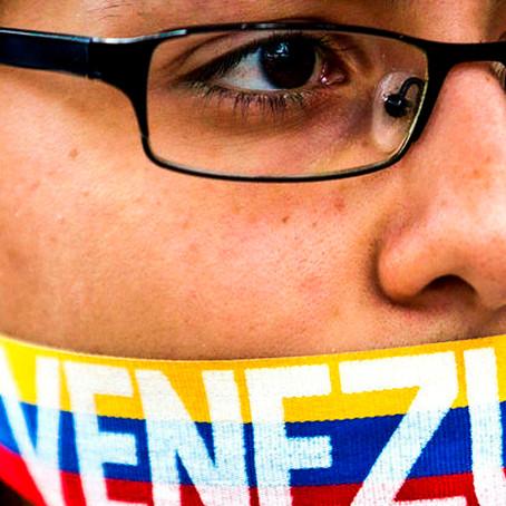 Excancilleres del Perú piden promover elecciones justas en Venezuela