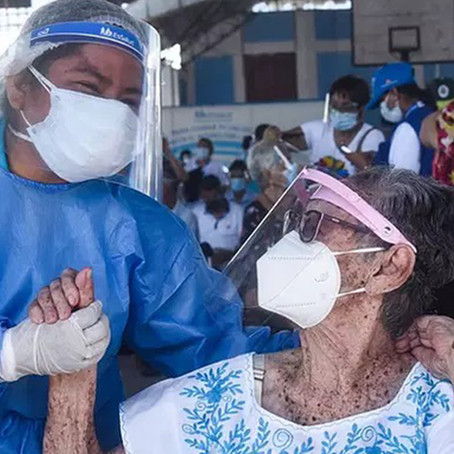 """""""No existieron irregularidades en la vacunación de adultos mayores"""", afirma Diresa"""