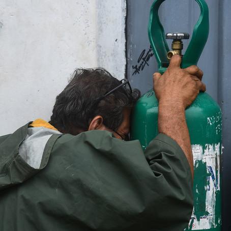 Testimonios y mafias: La pugna por obtener oxígeno en Pucallpa