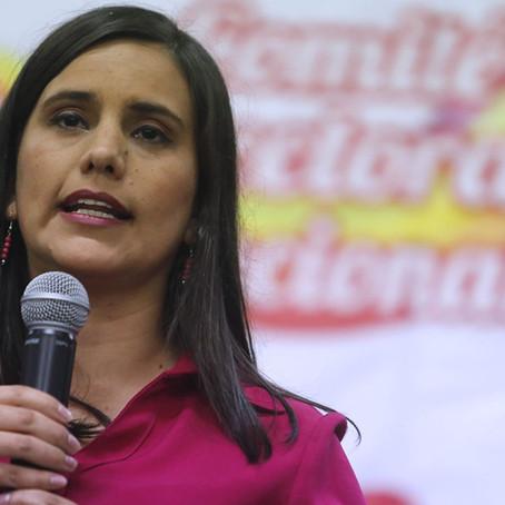 """Verónika Mendoza: """"No queremos que la educación sea un terreno de las mafias"""""""