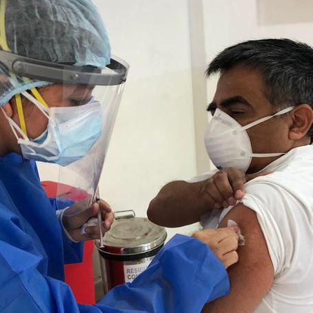 CDC sostienen que personas vacunadas no necesitan confinamiento