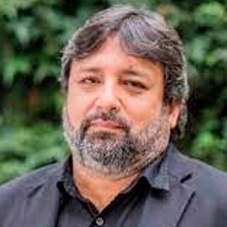 """Ricardo Cuenca: """"Sospecho que, como las cifras han bajado, se habilitarán más escuelas urbanas"""""""