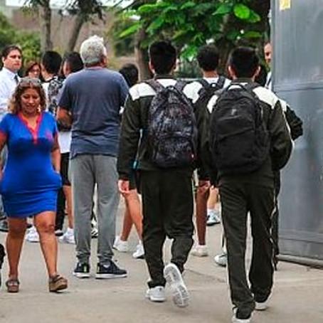 Retorno a clases presenciales dependerá de cada colegio, padres y posible segunda ola