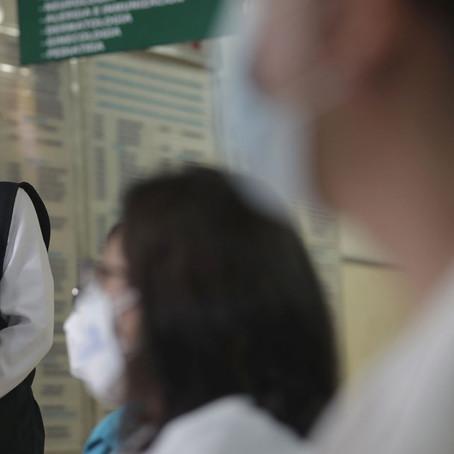 Mazzetti y sus tres asesores se vacunaron el mismo día en su casa
