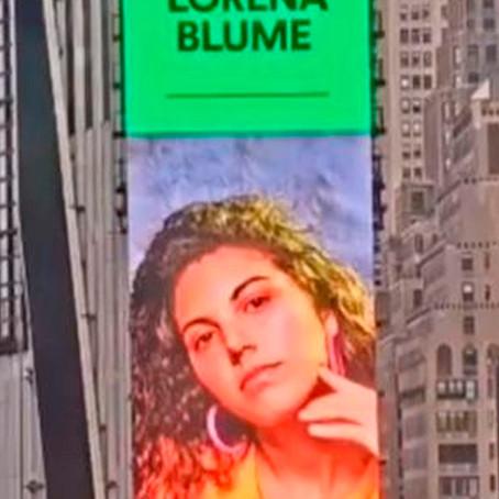 Lorema Blume es la primera cantaurora peruana en figurar en el Times Square