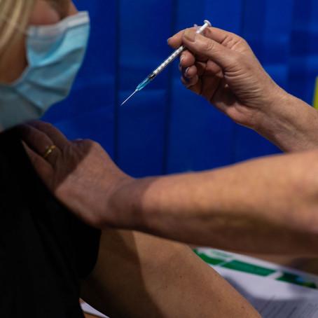 Chile autoriza la vacuna de covid-19 de Pfizer para mayores de 16 años