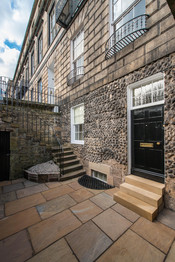Private Entrance To Heriot Row Apartment